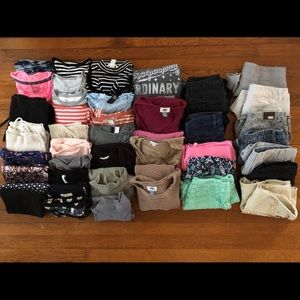 42 Pieces of women's clothing XS SMALL
